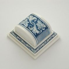 victorian-style ring box