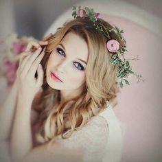 Google+ Wedding Hairstyles, Crown, Beauty, Google, Girls, Fashion, Toddler Girls, Moda, Corona