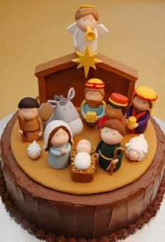 Jesus Birthday Cake with Fondant Christmas Tradition - Symbolism in these inspiring nativity cakes including the reason for the colors brown, green and red as well as the round cake Christmas Nativity, Noel Christmas, Christmas Goodies, Christmas Treats, Christmas Baking, Christmas Cakes, Xmas Cakes, Fondant Christmas Cake, Christmas Morning