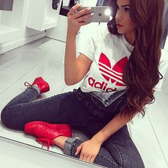 Adidas outfit - tshirt with red Adidas x Pharrell sneakers. #streetwear |pinterest: @ nandeezy †
