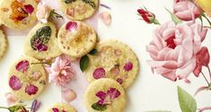Elevate your summer entertaining with blooming treats, both savory and sweet. Sugar Cookies Recipe, Cookie Recipes, Cookie Ideas, Dessert Recipes, Thing 1, Flower Cookies, Edible Flowers, Summer Flowers, Summer Recipes