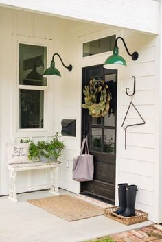 Beautiful Farmhouse Front Door Design Ideas And Decor – Decorating Ideas - Home Decor Ideas and Tips - Page 24 Entryway Lighting, Porch Lighting, Barn Lighting, Entryway Decor, Enterance Decor, Entryway Ideas, Lighting Ideas, Outdoor Lighting, Outdoor Decor