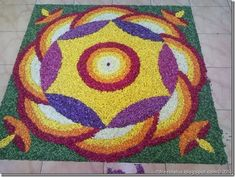 Flower rangoli designs are the most special ones, that is used among the many cultures. Check out some of the latest floral rangoli designs you should try in this Easy Diwali Rangoli, New Year Rangoli, Rangoli Designs Diwali, Rangoli Designs Images, Diwali Diy, Diwali Craft, Best Rangoli Design, Rangoli Designs With Dots, Rangoli With Dots
