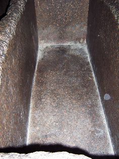 Granite coffer in Kings Chamber Pyramid of Khufu; laid in this whilst my group toned over me - wow! Ancient Egypt Pyramids, Ancient Aliens, Ancient Greece, Egypt Art, Old Egypt, Ancient Mysteries, Ancient Artifacts, Great Pyramid Of Khufu, Ancient Mexican Civilizations