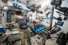 Testing astronauts' lungs in Space Station airlock / Futura / Human Spaceflight / Our Activities / ESA