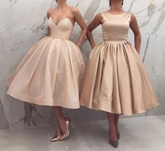 Image may contain: one or more people and people standing Dressy Dresses, Formal Evening Dresses, Cute Dresses, Strapless Dress Formal, Beautiful Dresses, Short Dresses, Latest African Fashion Dresses, Women's Fashion Dresses, Vestidos Vintage