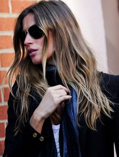 Gisele and her amazingly textured, messy but not scruffy, sunkissed balayage locks are a constant on our inspiration boards. Divine. http://primped.ninemsn.com.au/galleries/hair-galleries/top-10-brilliant-balayage-dos?image=15