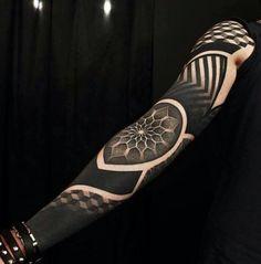 Maori Tätowierung Arm schwarz