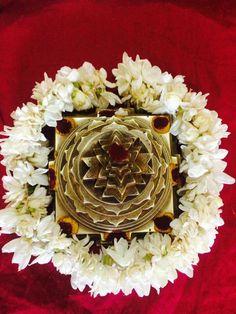 Diwali Pooja, Swami Samarth, Kali Goddess, Pooja Room Design, Home Temple, Sri Yantra, Puja Room, Shiva Shakti, Lord Vishnu