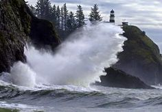Image: Jetty at the south end of Long Beach Peninsula, Wash., with Cape Disappointment Lighthouse (Courtesy of Long Beach Peninsula Visitors Bureau)