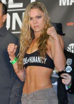 Info-Lutte.Com :: Ronda Rousey une Super Beast Freak! Heyman admire ++