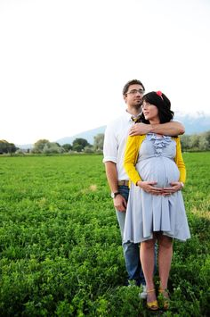 couples maternity - really cute pose except I hate when pregnant women put their hands so low in pictures ... awkward