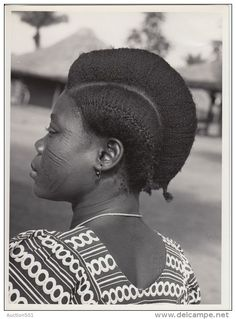 """justlatasha: """" vintagecongo: """" """"Femme bango-bango"""" Belgian Congo by H. Goldstein """" Can we talk about how REAL this is tho? Crown Hairstyles, African Hairstyles, Afro Hairstyles, Black Women Hairstyles, Unique Hairstyles, Skin Girl, Curly Hair Styles, Natural Hair Styles, African Beauty"""