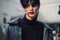 Park Taemin at Seoul Fashion Week S/S 2017 (cr: Taesigi via Park Taemin, sst.png)