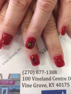 Louisville Cardinals nail Art