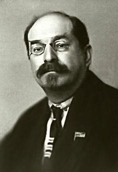 Anatoli Lunacharsky  Artistiek functionaris op het commissariaat van onderwijs ten tijde van Lenin