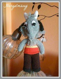 Horgolmány: Horgolt Mekk Elek Crochet Toys, Free Crochet, Tweety, Crochet Patterns, Christmas Ornaments, Holiday Decor, Character, Home Decor, Amigurumi