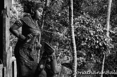 Murni's Warung Ubud Bali Indonesia  For the book Secrets of Bali Fresh Light on the Morning of the World - go to http://ift.tt/2oNwySP  For the book Murnis Bali Tours Where to go What to do and How to do it - go to http://ift.tt/2oRi9EL  #aroundtheworld #worldtraveler #jonathaninbali #www.murnis.com #travelphotography #traveler #lonelyplanet #travel #travelingram #travels #travelling #traveling #instatravel #asian #travelphoto#exploringtheglobe #theglobewanderer #mytinyatlas #planetdiscovery…