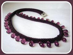 Gehakelte perlenkette  mit tschechische Glas ab Größe 12 tschechische Rocailles.Halskette ist ein violett 18 Zoll (45cm) Längen, aus versilbertem vers