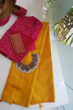 style your jewellery - Saree and necklace New Saree Blouse Designs, Cotton Saree Designs, Fancy Blouse Designs, Stylish Blouse Design, Dress Designs, Blue Silk Saree, Cotton Saree Blouse, Lehenga Saree Design, Saree Trends