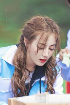 Korean Girl, Idol, Wattpad, Womens Fashion, Hair, Beautiful, Beauty, Women's Fashion, Woman Fashion