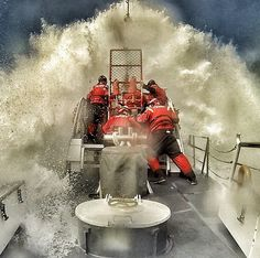 Ever wonder what it's like to punch through a 14' breaking wave in a lifeboat that's over 50 years old? That's just what the crew of Station Cape Disappointment is doing here aboard the TRIUMPH II. Coast Guard Wife, Coast Guard Boats, Coast Guard Rescue, Coast Guard Ships, Storm Front, Sea Storm, Storm Photography, Bay Boats, Stormy Sea