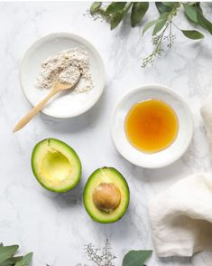 Exfoliating Avocado Face Mask (a real food-based facial mask) - Live Simply Thick Curly Hair, Curly Hair Tips, Curly Hair Care, Curly Hair Styles, Hair Mask Curly Hair, Homemade Hair Treatments, Diy Hair Treatment, Best Diy Hair Mask, Diy Mask