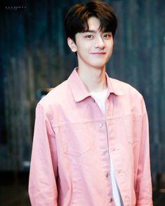 Handsome Korean Actors, Handsome Boys, Korean Haircut, Chines Drama, Netflix, Cute White Boys, Cute Actors, Chinese Boy, Cute Celebrities