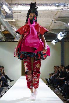 Rei Kawakubo debuts her fall collection.