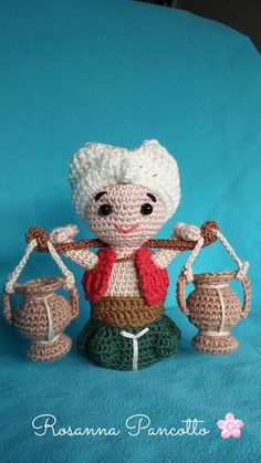 Il Portatore d'acqua Crochet Dolls, Crochet Baby, Yarn Crafts, Diy Crafts, Christmas Crochet Patterns, Finger Puppets, Pebble Art, Hobbies And Crafts, Kids Christmas