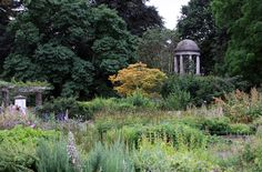 A bad witch's blog: Occult London: The Temple of Aeolus at Kew Gardens...