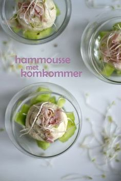 Hammousse met komkommer Shot Glass Appetizers, Finger Food Appetizers, Appetizer Recipes, Tapas, Buffet, A Food, Food And Drink, Diner Party, Appetisers