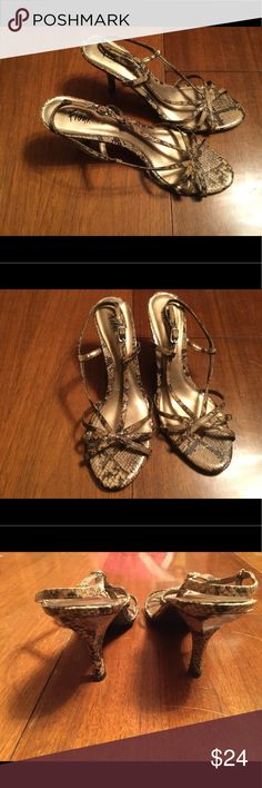 Woman's snakeskin print heels by Fioni EUC comfortable snake skin inspired strap heels size 10 FIONI Clothing Shoes Heels