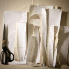 «#bag #inthemaking #workinprogress #prototype #backpack #bagpack #travel #bags #insula #insula_paris #comingsoon ✂️»
