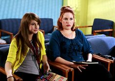 The Secret Life of the American Teenager - Season 1 - Thats Enough of That - Shailene Woodley as Amy and Molly Ringwald as Anne