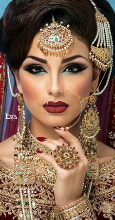 Beautiful Indian Bride with Hair and Makeup by Amber at Verdo Hair and Makeup Best Makeup Ideas for the Indian Brides 13 Asian Bridal Makeup, Indian Wedding Makeup, Indian Makeup, Indian Beauty, Indian Inspired Makeup, Pakistani Bridal, Indian Bridal, Bride Indian, Pakistani Makeup