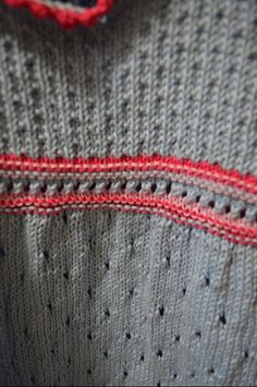 Il mio Mondo: vestitino bimba realizzato a maglia seguendo il tu...