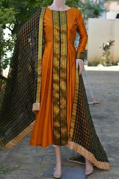 Latest Neck Design For Kurtis Salwar Designs, Kurta Designs Women, Kurti Designs Party Wear, Mehndi Designs, Neckline Designs, Dress Neck Designs, Designs For Dresses, Blouse Designs, Saree Gown