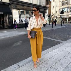 This outfit tho 👌🏼 Shop via my story Ad Classy Work Outfits, Business Casual Outfits, Professional Outfits, Stylish Outfits, Black Girl Fashion, Work Fashion, Fashion Looks, Fashion Outfits, Fashion Quiz