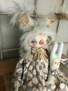 Whimsical, Primitive Folk Art by Brenda Jett Sanker. Craft Patterns, Doll Patterns, Art Doll Tutorial, Ann Doll, Monster Dolls, Primitive Folk Art, Creepy Dolls, Doll Crafts, A Table
