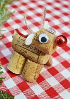 christmas diy reindeer..which gives mommy a good excuse to drink a lot of wine. :):)