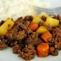 If you're looking for simple recipes with ground beef, you may want to give this carne molida recipe a try. Carne molida is a Puerto Rican ground beef recipe that is. Puerto Rican Dishes, Puerto Rican Cuisine, Puerto Rican Recipes, Comida Latina, Carne Molida Recipe, Arroz Con Gandules Recipe, Mexican Food Recipes, Ethnic Recipes, Dinner Recipes