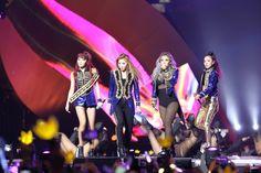 As 4 integrantes reunidas no palco do MAMA2015. ÉPICO. Foto: Soompi