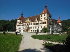 Graz: 7 atracciones para conocer la ciudad austriaca - EUROPEOS VIAJEROS Graz Austria, Berg, Louvre, Mansions, House Styles, Building, Travel, Monuments, Castles
