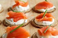 """Keto Snacks With so many people jumping into the bandwagon of the """"ketogenic diet"""" right now, more and more people are beginning to wonder if this diet p Smoked Salmon Canapes, Smoked Salmon Chowder, Finger Food Catering, Party Catering, Healthy Sweet Snacks, Keto Snacks, Salty Snacks, Healthy Eating, Braised Lamb Shanks"""