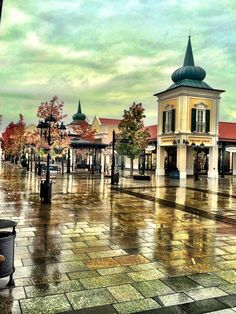 Fashion outlet - Parndorf Fashion Outlet, Mall, Mansions, House Styles, Design, Home Decor, Decoration Home, Manor Houses, Room Decor