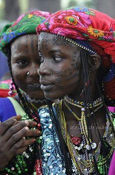Peul girls with facial tattoos