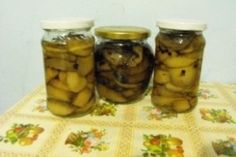 Ciuperci murate Canning Pickles, Cucumber, Sauces, Recipes, Food, Preserves, Chef Recipes, Cooking, Essen