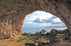 - foto dahttp://sardinia-journey.com/rock-climbing Chentu concas chentu berritas 7b+ Milennium 7c+ La legge del chiodante 7a+ Le li | Cusidore | sardinia outdoor | Cala Gonone (grotta Millennium)