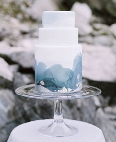 Marble Wedding Cakes for a Modern Bride.If you like a modern and elegant wedding decor then you will love these wedding cake decorated with marbleized fondant. Here's 11 marble wedding cakes that are perfect for a modern bride! Elegant Wedding Cakes, Beautiful Wedding Cakes, Wedding Cake Designs, Blue Wedding Cakes, Cake Wedding, Painted Wedding Cake, Colourful Wedding Cake, Winter Wedding Cakes, Winter Weddings